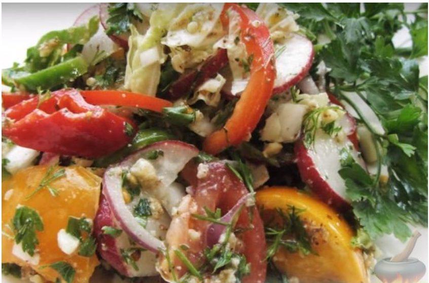 Овощной салат «Глехурад» с орехами