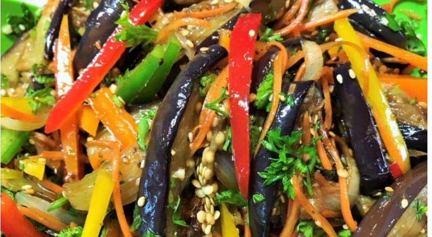 Салат из баклажанов: очень простой и недорогой рецепт