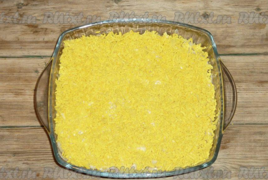 """Салат """"Мимоза"""" с рисом и консервами"""