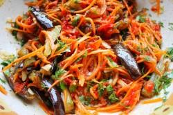 Салат из баклажан, моркови и перца